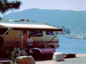 Holloways Marina & RV Park - Big Bear Lake CA