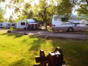 Country Campin RV & Tent Park - Thermopolis WY