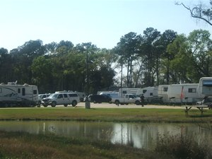 Pine Lakes RV Resort - Baytown TX