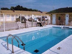 Lake Shore Motel & RV Park - Mannford OK