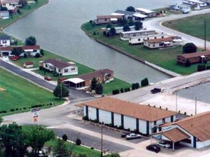 Lake Village - Paris MO