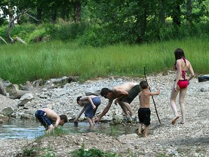 Big Elk Camp & Canoe - Pineville MO