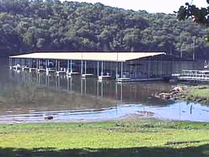 Taneycomo Market & Campground - Rockaway Beach MO