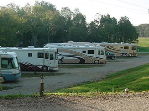 Camelot RV Campground - Poplar Bluff MO