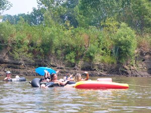 Riverview Canoes & Campground - Farmington IA